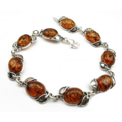 Beauty with a lovely Baltic honey amber  bracelet