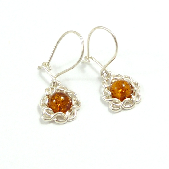 Elegant flower design-sweet cognac earrings