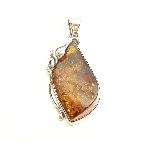 Vintage beautiful  genuine amber pendant-sweet leaf