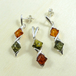 Excellent amber set - earrings and pendant -green and cognac